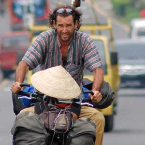 pablo-garcia-pedaleando-el-globo