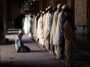 04 - Musulmanes rezando