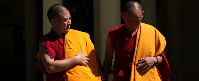 monjes-tibetanos